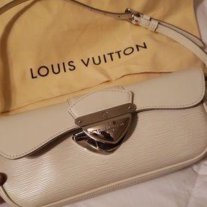 Luuis vuitton purse